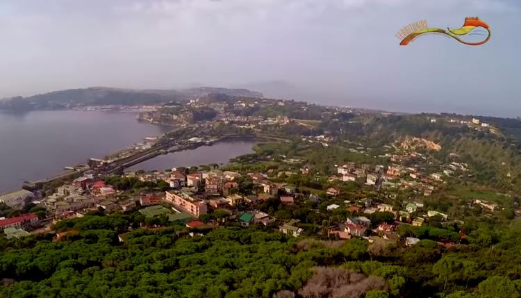 Speciale Territorius  – Vesuvio & Campi Flegrei: i sistemi vulcanici di Napoli