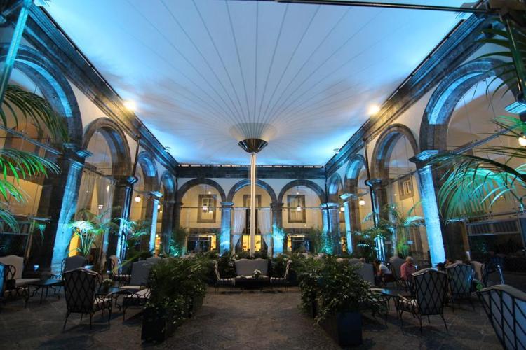 Christmas Party con le migliori bollicine d'Italia il 15 dicembre a Palazzo Caracciolo