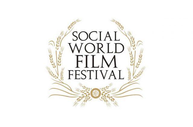 """Social World Film Festival : Stasera """"La notte del cinema"""" con le proiezioni dei cortometraggi in spiaggia"""