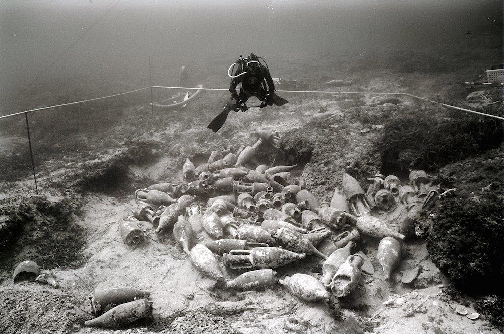 """Prorogata la Mostra """"I Pionieri dell'archeologia subacquea"""" al Castello di Baia"""