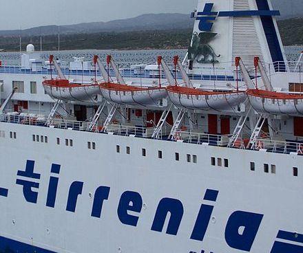 Accordo per Tirrenia ripartono traghetti per Sicilia e Sardegna