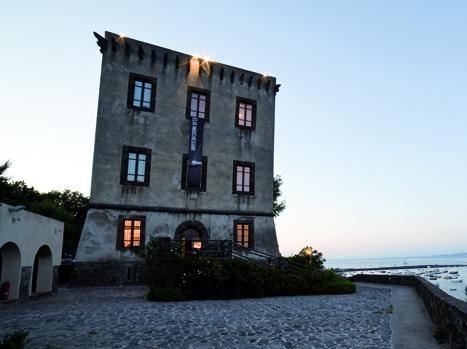 """Alla Torre di Guevara:""""Donne, terme e bellezza ad Ischia nel Rinascimento"""""""