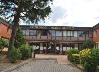 Pozzuoli: Istituto alberghiero dona pastiere e dolci pasquali per famiglie bisognose