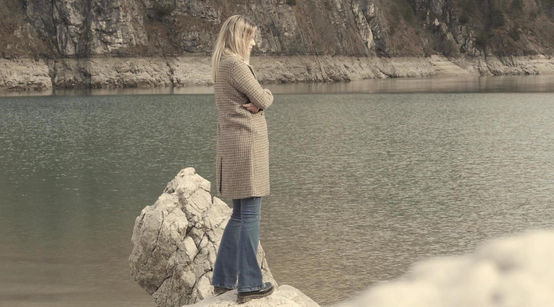 """Due pezzi di un puzzle: """"Confini della notte"""" è il nuovo progetto di Michele Pastrello."""